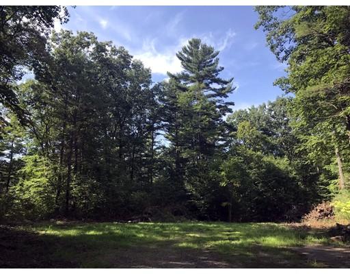 Terrain pour l Vente à Address Not Available Leverett, Massachusetts 01054 États-Unis
