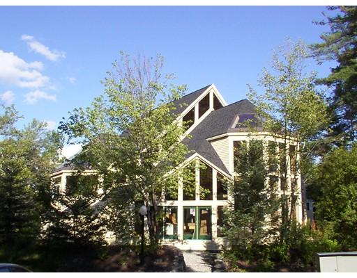 شقة بعمارة للـ Sale في 2 Deer Path #2 Hudson, Massachusetts 01749 United States