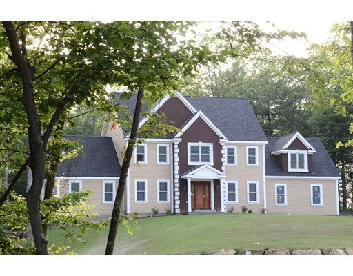 Single Family Home for Sale at 6 Ammidon Road Mendon, Massachusetts 01756 United States