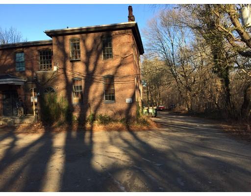 Commercial pour l à louer à 105 Chapman Street 105 Chapman Street Canton, Massachusetts 02021 États-Unis