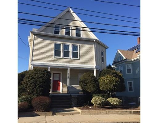 独户住宅 为 出租 在 130 Winthrop Street 梅福德, 马萨诸塞州 02155 美国