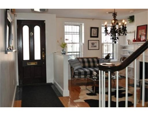 Additional photo for property listing at 7 Lawrence Street  Boston, Massachusetts 02116 Estados Unidos