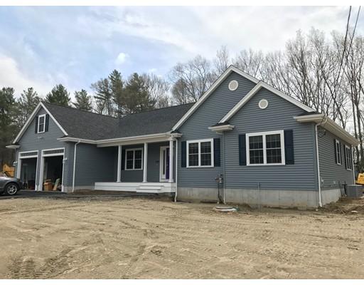 Maison unifamiliale pour l Vente à 7 Mello's Farm Road Taunton, Massachusetts 02780 États-Unis