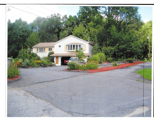 Maison unifamiliale pour l Vente à 14 Ridge West Brookfield, Massachusetts 01585 États-Unis