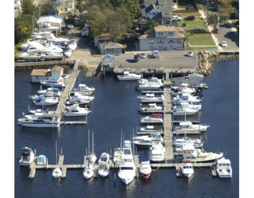 Additional photo for property listing at 2 Elm Avenue 2 Elm Avenue Fairhaven, Massachusetts 02719 États-Unis