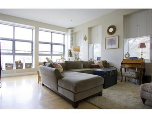 Additional photo for property listing at 1 Garden Street  Boston, Massachusetts 02114 United States