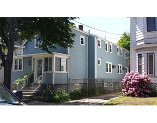 Многосемейный дом для того Продажа на 250 Cross Street Malden, Массачусетс 02148 Соединенные Штаты