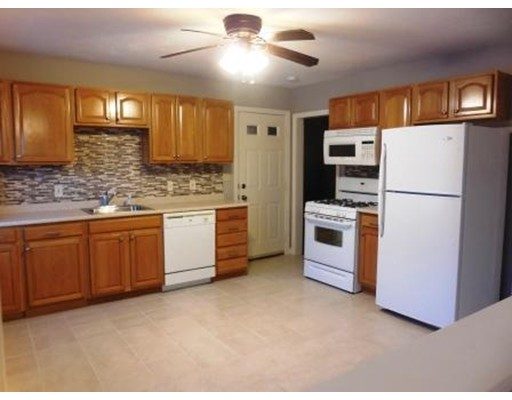 Single Family Home for Rent at 7 Gates Lane Worcester, Massachusetts 01603 United States
