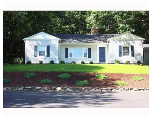Частный односемейный дом для того Продажа на 891 Eddie Dowling Hwy North Smithfield, Род-Айленд 02896 Соединенные Штаты