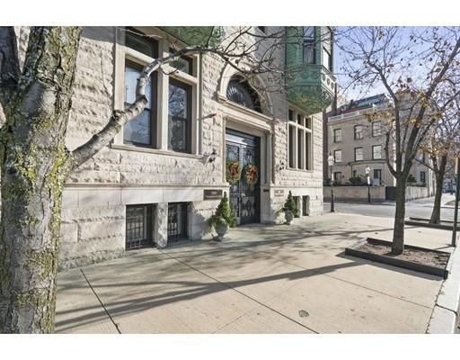 独户住宅 为 出租 在 10 Charlesgate East 波士顿, 马萨诸塞州 02215 美国
