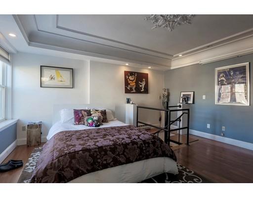 独户住宅 为 出租 在 287 Hanover 波士顿, 马萨诸塞州 02113 美国