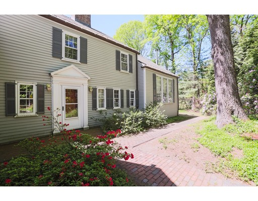 Single Family Home for Sale at 20 Old Farm Road Wellesley, Massachusetts 02481 United States
