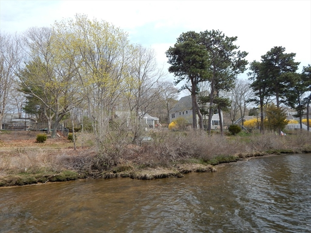Photo #3 of Listing 87 Shorewood Dr