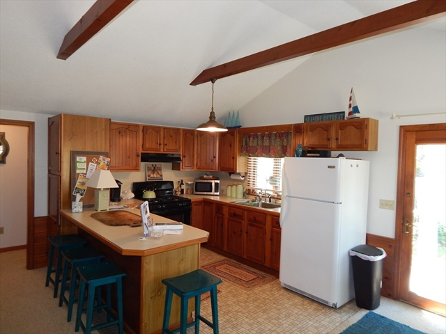 Photo #10 of Listing 87 Shorewood Dr