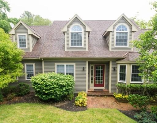 独户住宅 为 销售 在 395 King Street 395 King Street Raynham, 马萨诸塞州 02767 美国
