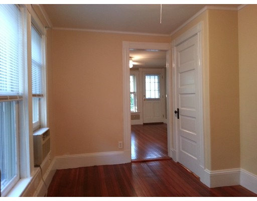 Additional photo for property listing at 23 Tewksbury Street  Winthrop, Massachusetts 02152 Estados Unidos