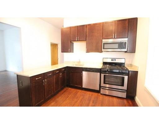 Casa Unifamiliar por un Alquiler en 24 Ashford Street Boston, Massachusetts 02134 Estados Unidos