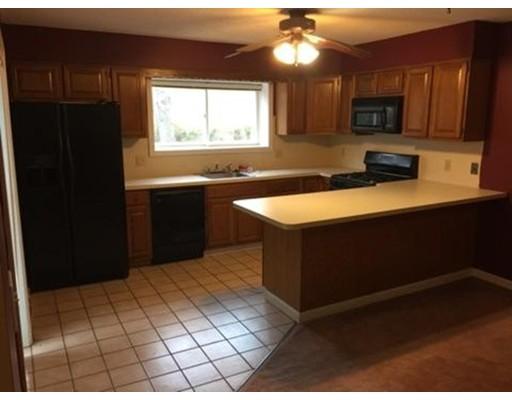 Additional photo for property listing at 10 Duchess Path  阿克斯布里奇, 马萨诸塞州 01569 美国