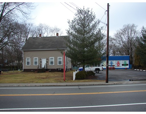 Commercial for Sale at 833 willet Avenue 833 willet Avenue East Providence, Rhode Island 02915 United States