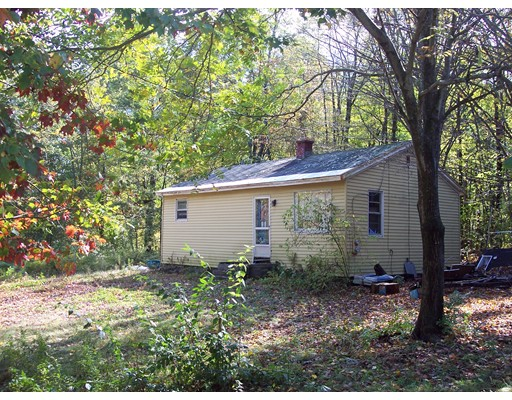 Single Family Home for Sale at 23 Robbins Road 23 Robbins Road Greenfield, Massachusetts 01301 United States