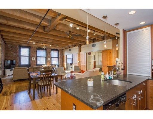 Additional photo for property listing at 33 Sleeper Street 33 Sleeper Street Boston, Massachusetts 02210 États-Unis