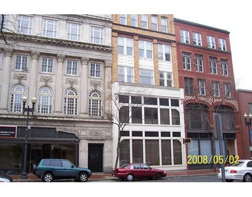 商用 为 销售 在 286 Essex Street 286 Essex Street Lawrence, 马萨诸塞州 01840 美国