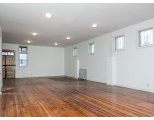 Additional photo for property listing at 226 Sargeant Street  Holyoke, Massachusetts 01040 United States