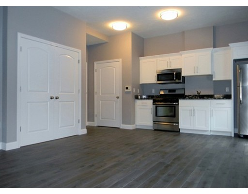 Additional photo for property listing at 41 Saratoga Street  波士顿, 马萨诸塞州 02128 美国