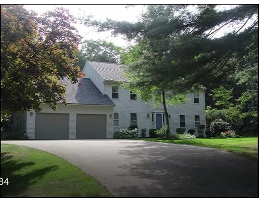 Частный односемейный дом для того Продажа на 7 Hill Street 7 Hill Street Lakeville, Массачусетс 02347 Соединенные Штаты