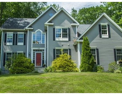 Casa Unifamiliar por un Venta en 111 Mcgilpin Road Sturbridge, Massachusetts 01566 Estados Unidos