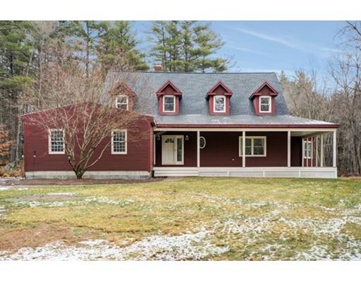 独户住宅 为 销售 在 9 Crockett Road 厄普顿, 马萨诸塞州 01568 美国