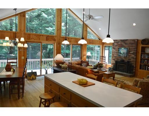 独户住宅 为 销售 在 383 Deer Run Road Sandisfield, 马萨诸塞州 01255 美国