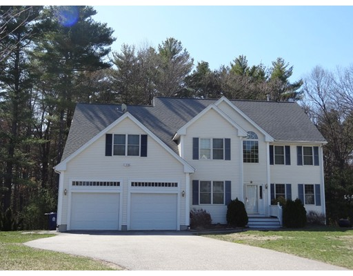 Single Family Home for Sale at 61 Ashwood Avenue Wilmington, Massachusetts 01887 United States