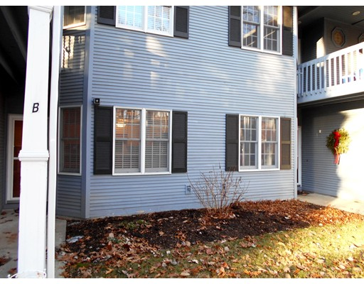 Condominium for Sale at 375 Angell Road North Providence, Rhode Island 02904 United States