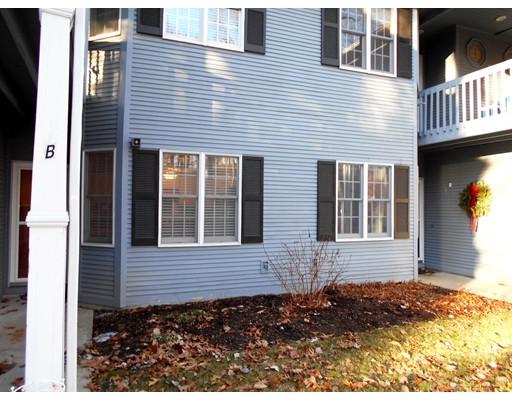 共管式独立产权公寓 为 销售 在 375 Angell Road North Providence, 罗得岛 02904 美国