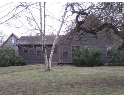Частный односемейный дом для того Продажа на 748 Old Plymouth Street Halifax, Массачусетс 02338 Соединенные Штаты