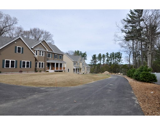 Single Family Home for Sale at 7 Hutchinson Way Acton, Massachusetts 01720 United States