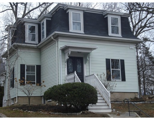 Casa Unifamiliar por un Alquiler en 84 Linden Street Wellesley, Massachusetts 02482 Estados Unidos