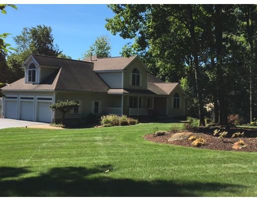 Частный односемейный дом для того Продажа на 36 Hildreth Street Westford, Массачусетс 01886 Соединенные Штаты