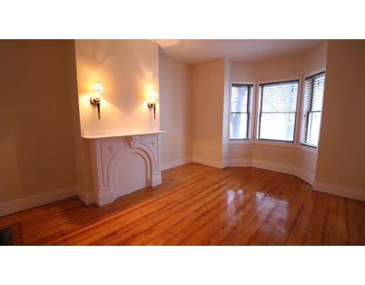 Additional photo for property listing at 138 M Street  Boston, Massachusetts 02127 United States
