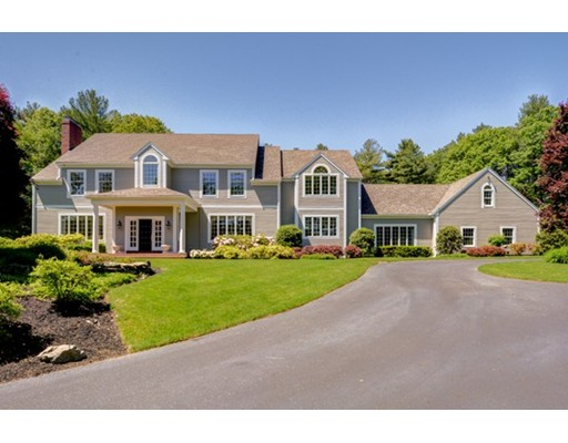 Casa Unifamiliar por un Venta en 60 Ridge Road Westwood, Massachusetts 02090 Estados Unidos