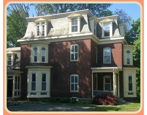متعددة للعائلات الرئيسية للـ Sale في 26 Prospect Street Montague, Massachusetts 01376 United States