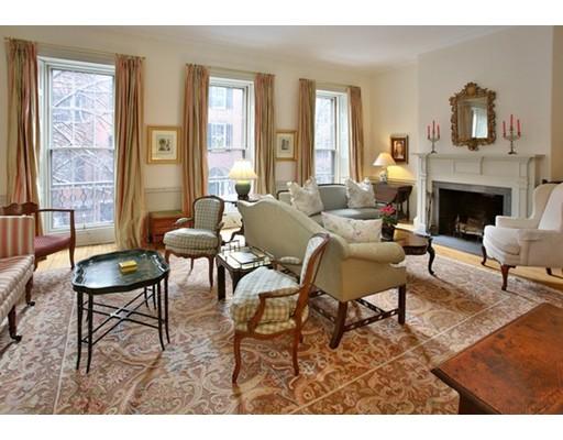 Частный односемейный дом для того Продажа на 11 Chestnut 11 Chestnut Boston, Массачусетс 02108 Соединенные Штаты