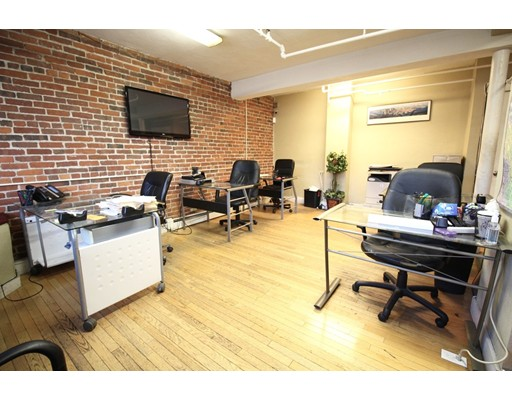Additional photo for property listing at 1298 Commonwealth Avenue  Boston, Massachusetts 02134 Estados Unidos