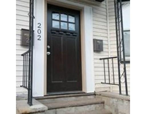 独户住宅 为 出租 在 202 Falcon Street 波士顿, 马萨诸塞州 02128 美国
