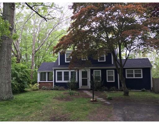 Частный односемейный дом для того Аренда на 43 Beechwood Road 43 Beechwood Road Barnstable, Массачусетс 02632 Соединенные Штаты