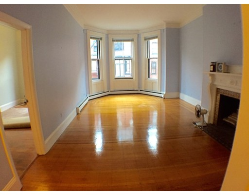 Casa Unifamiliar por un Alquiler en 182 Marlborough Street Boston, Massachusetts 02116 Estados Unidos