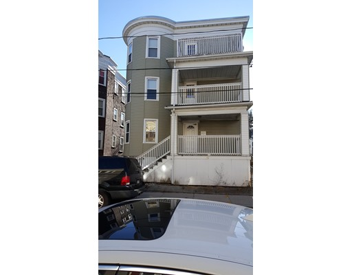 独户住宅 为 出租 在 40 Mora Street 波士顿, 马萨诸塞州 02124 美国