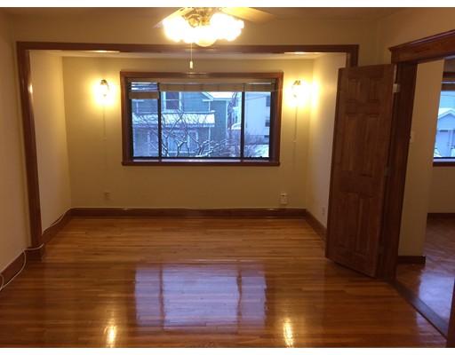独户住宅 为 出租 在 374 Riverside Avenue 梅福德, 马萨诸塞州 02155 美国
