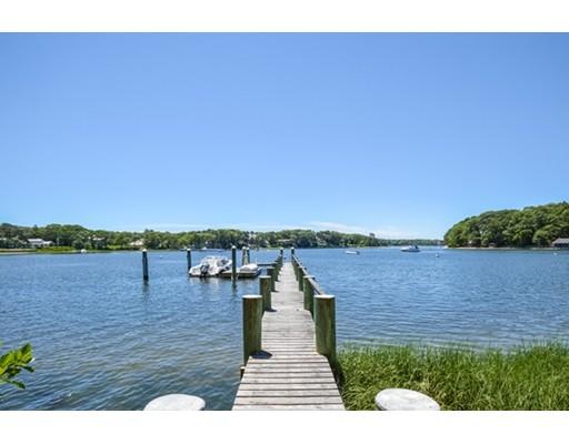 Casa para uma família para Venda às 135 Point Isabella 135 Point Isabella Barnstable, Massachusetts 02635 Estados Unidos